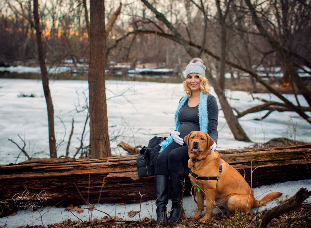 Sunset_chicago_pregnancy-photoshoot_with_dog